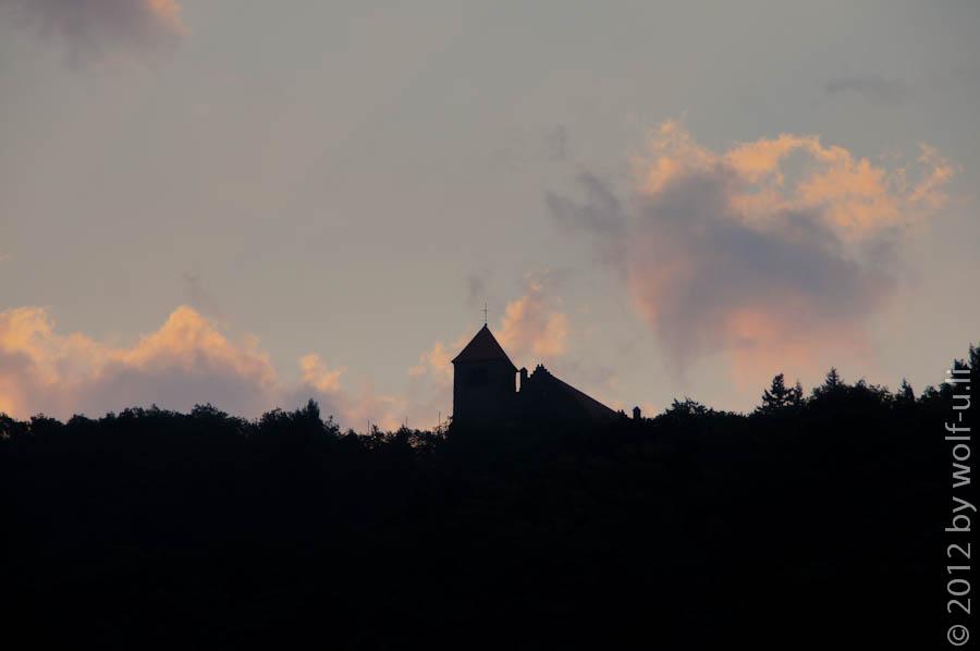 Wachenburg Weinheim kurz vor Sonnenaufgang
